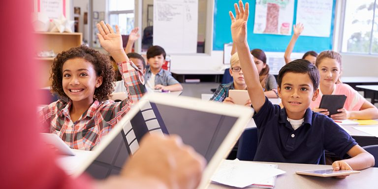 Reasons Why Teachers Prefer eBooks in Classrooms a blog by kitaboo